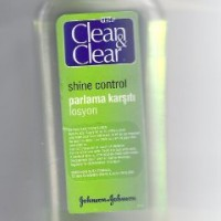 Clean-Clear-Morning-Energy-Shine-Control-Daily-Facial-Lotion-200ml-0